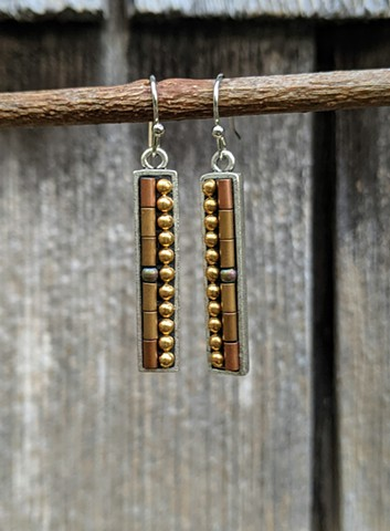 GOLD SKINNY DROP EARRINGS