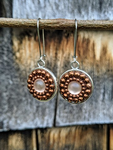 CHESTNUT ROUND MOSAIC EARRINGS