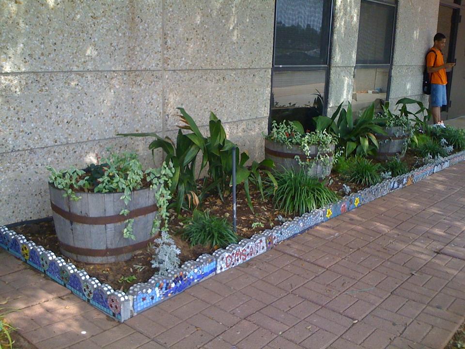 DIANNE SONNENBERG MOSAICS Deerpark Middle School Garden Mosaic