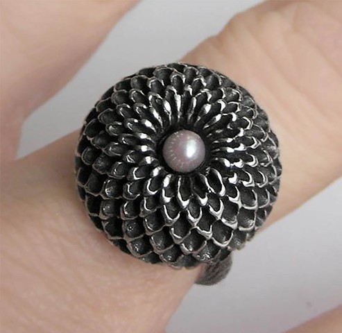Silver and Pearl Chrysanthemum Ring