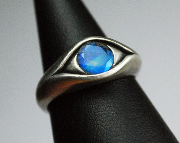 Blind Seer Witch Eye Ring