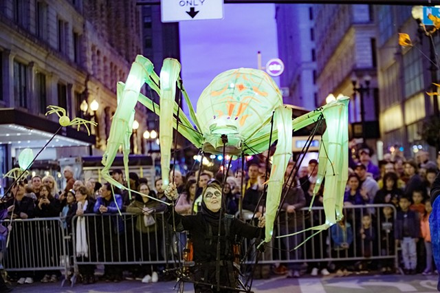 Giant Glowing Spider Parade Puppet
