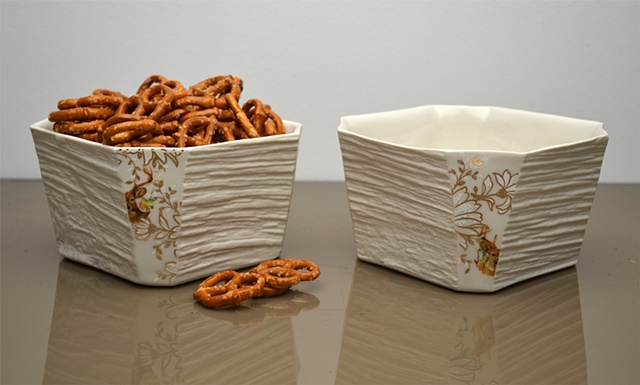 WHITE DEER SQUARE BOWLS