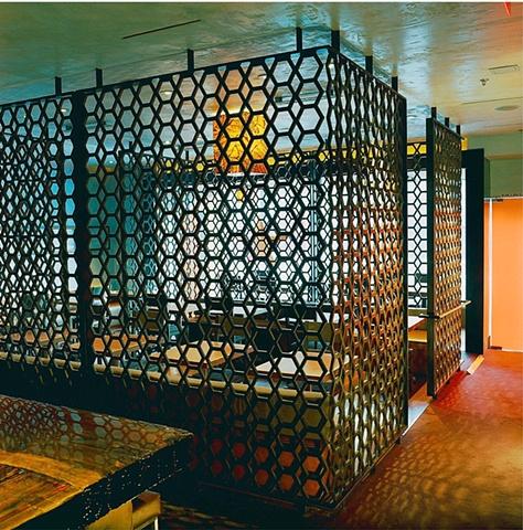 Restaurant grille Metalmorphosis