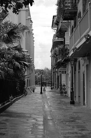 B & w pirate's alley
