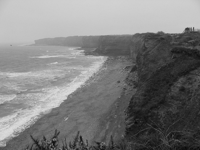 d day shore bw