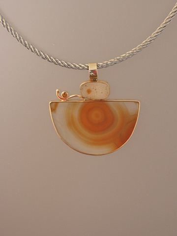 "14kt Gold, Stones: Druzy Quartz, Citrine, Agate cut by Dieter Lorenz,  Pendant part of ""Jewelry For The Home"" vessel"