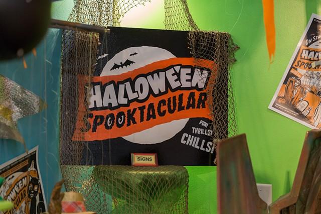 Hallowe'en Spooktacular Sign - Bob Baker Marionette Theatre
