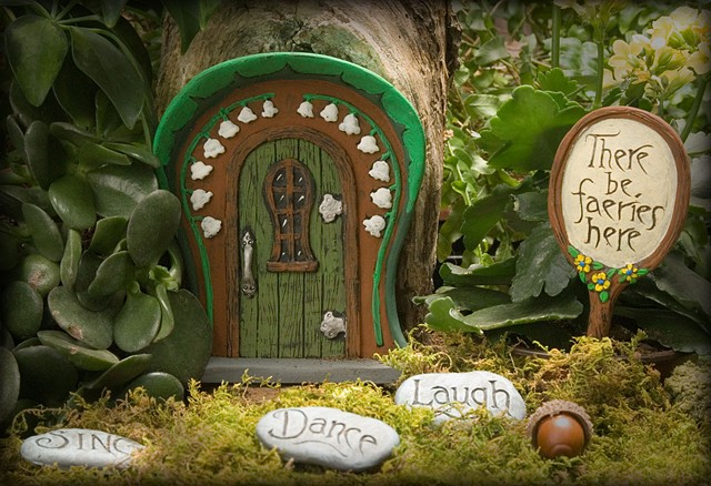 Lily of the Valley Fairy Door