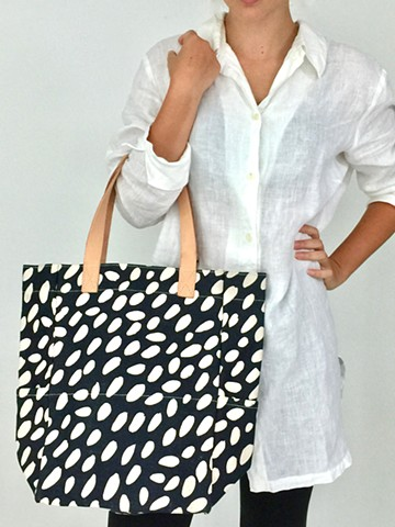 See Design City Tote Cheetah Black