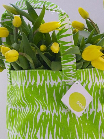 grasses green circle tote