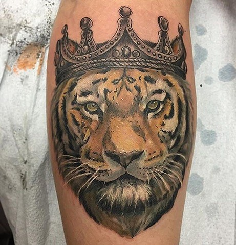 Tiger Wearing Crown Tattoo By Sarah Michelle Color Black Gold Tattoo Co