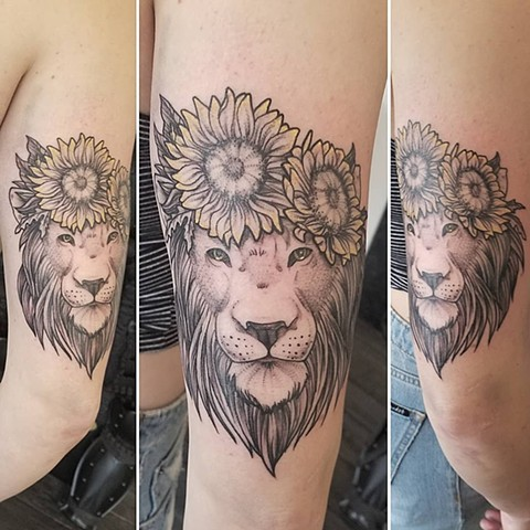 Lion Flower Crown Tattoo By Adrienne Alexander Crimson Empire Tattoo