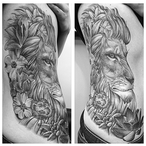Lion And Flowers Tattoo By Chad Lavers Black And Grey Crimson Empire Tattoo