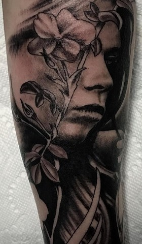 Woman And Flower Tattoo By Alan Coates Black And Grey Black Gold Tattoo Co