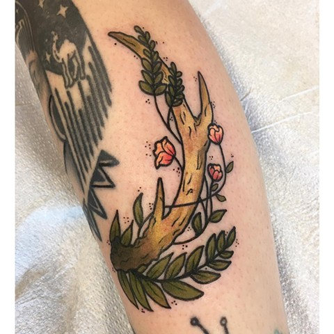 Antler With Leaves And Flowers Tattoo By Vanessa Spezowka Color Crimson Empire Tattoo