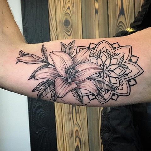 Lily Mandala Tattoo By Dale Moostoos Black And Grey Crimson Empire Tattoo