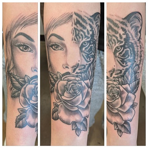 Girl Tiger Rose Tattoo By Sheila Anderson Black And Grey Crimson Empire Tattoo