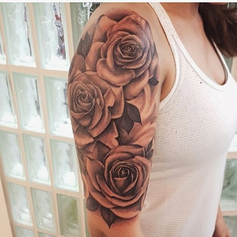 Roses Tattoo By Sarah Michelle Black And Grey Black Gold Tattoo Co