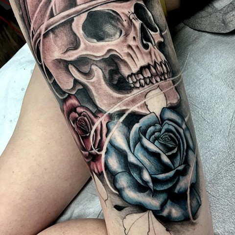 Skull And Roses Tattoo By Romeo Ostiguy Black And Grey Black Gold Tattoo Co