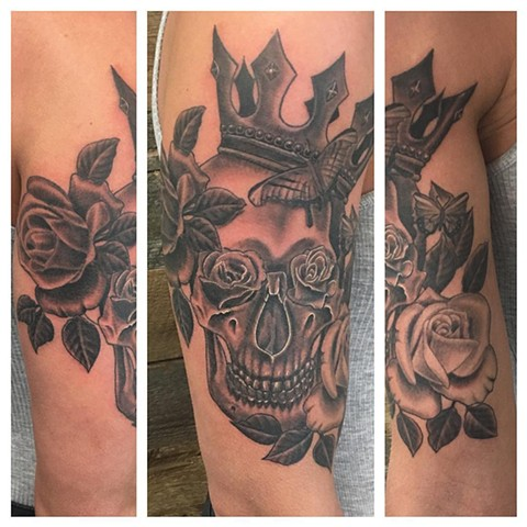 Roses With Skull Wearing Crown Tattoo By Dale Moostoos Black And Grey Crimson Empire Tattoo