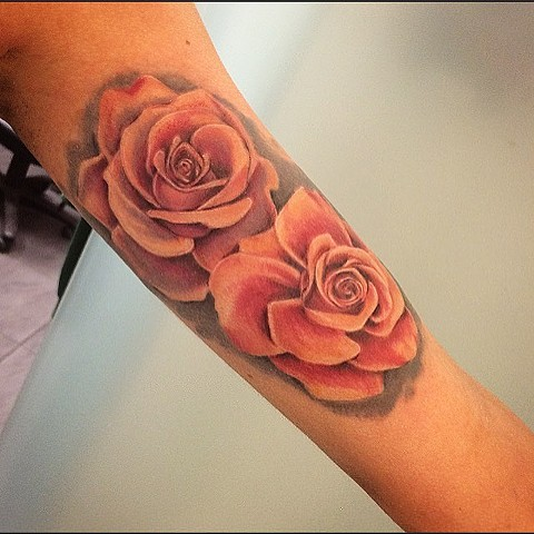 Roses Tattoo By Sarah Michelle Color Black Gold Tattoo Co