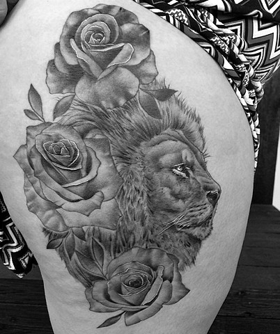 Lion With Roses Tattoo By Chad Lavers Black And Grey Crimson Empire Tattoo