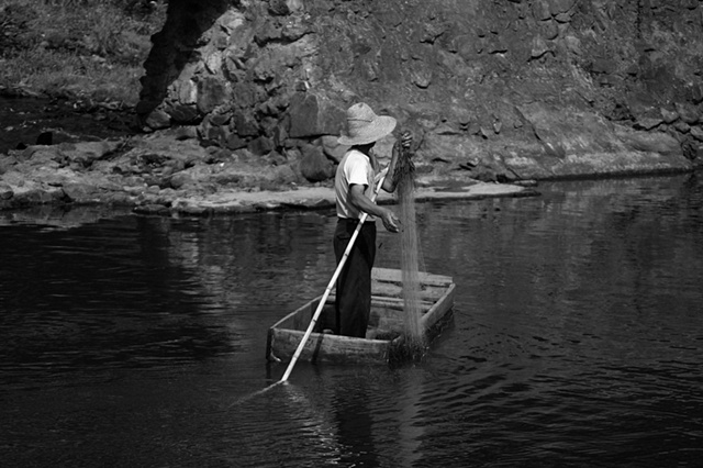 Man in a boat - Hunan