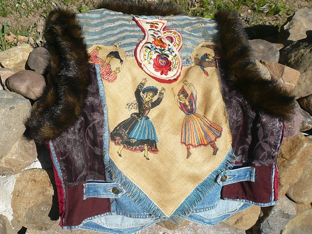 COSSACK VEST - back