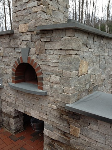 Natural stone and brick outdoor pizza flatbread oven