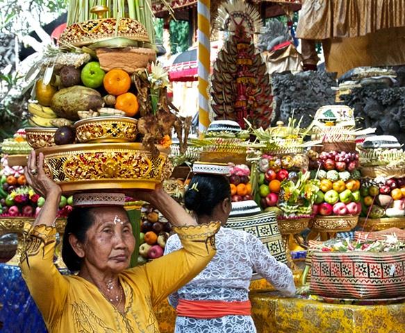Bali, Temple Offerings