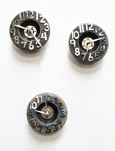 Recycled Sanding disc Clocks