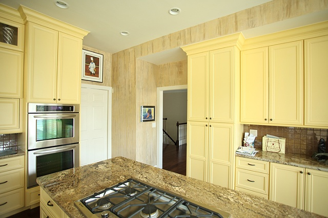 Kitchen, pale gold 'bamboo' texture.
