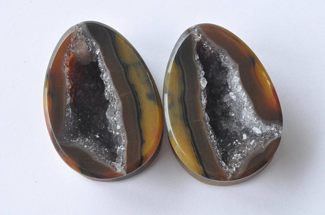 "1"" Fighting Blood Agate Geodes"