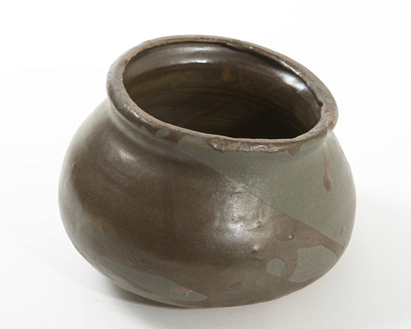 Metalic brown bowl
