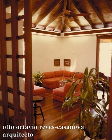 Residencia Reyes Veray. 1982