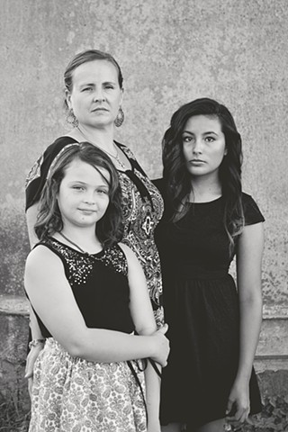 Family portraiture, Belinda Grace Photography, Children's portraiture, Fine art, Quad Cities, Moline Illinois, Bucktown Center for the Arts, MidCoast Fine Arts,
