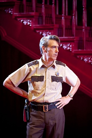 Thomas Simpson as Sheriff Ed Earl Dodd