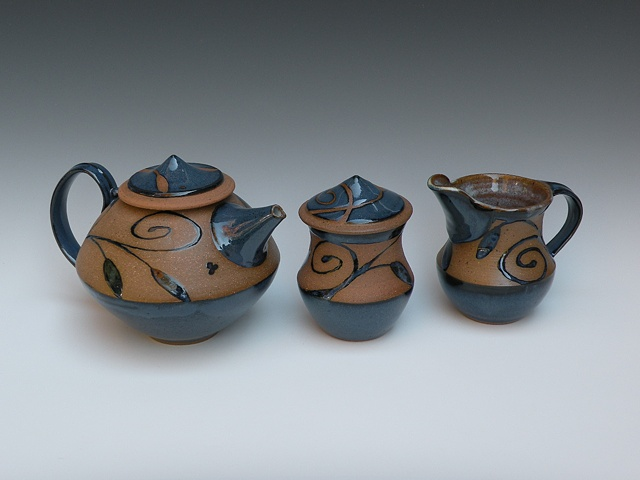 Teapot, Creamer & Sugar Bowl Set
