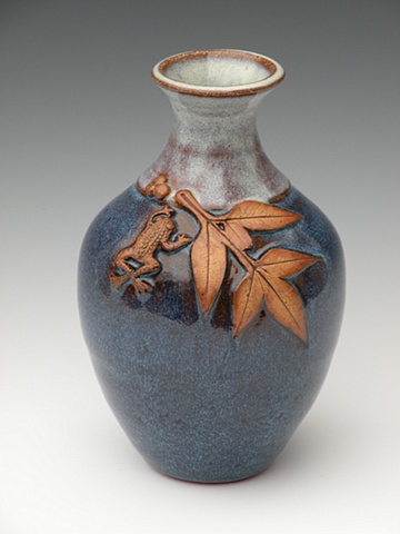 Leaf Vase with Little Frog