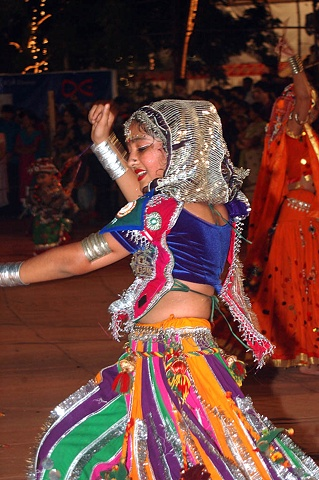 Mumbai dancer