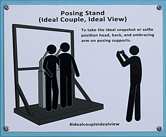 Posing Stand (Ideal Couple, Ideal View)