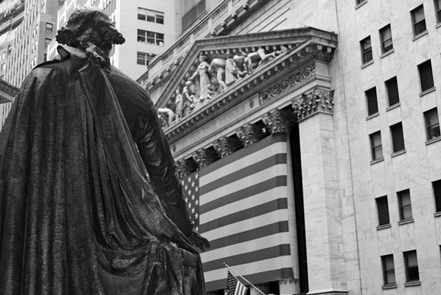 Geroge Washington guards NY stock exchange