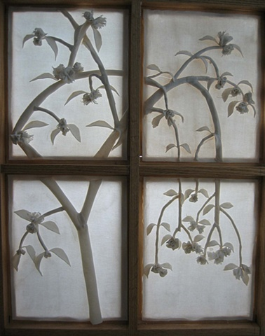 Porcelain Screen with flowers