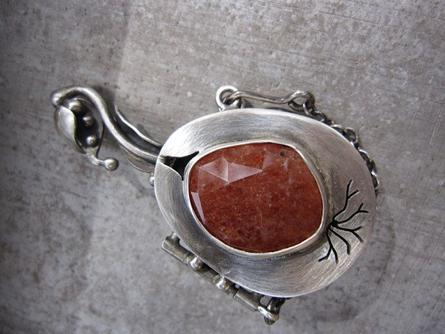 Perfume Locket pin/pendant with Sunstone