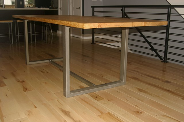 MK Dining Table