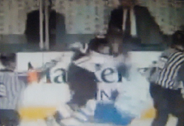 Extreme NHL Fights [WARNING-GRAPHIC] (original image)
