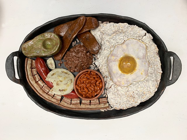 Bandeja paisa Isabella Olarte, Ceramics I Soft Slab Larger Than Life Food