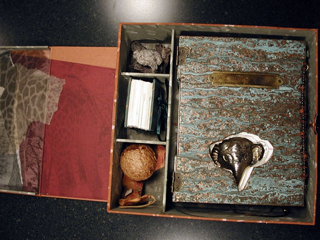 Box; full top view, open.