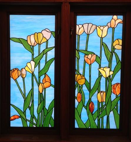 Tulips bathroom windows